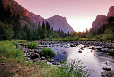 Photograph - Valley View Sunrise by Nicholas Blackwell