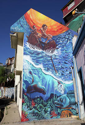 Photograph - Valparaiso Street Art 45 by Aidan Moran