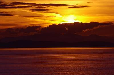 Photograph - Vancouver Area Sunrise 2 by Phyllis Spoor