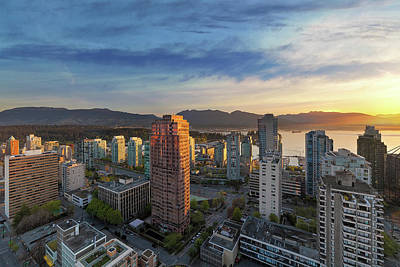 Vancouver Bc Cityscape At Sunset Art Print by David Gn
