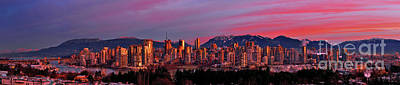 Photograph - Vancouver Bc False Creek Sunrise 1 by Terry Elniski