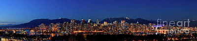 Photograph - Vancouver Bc False Creek Sunset 1 by Terry Elniski