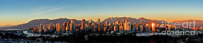 Photograph - Vancouver Bc False Creek Sunset 2 by Terry Elniski