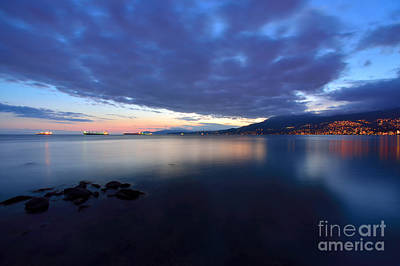 Photograph - Vancouver Bc Sunset At English Bay by Terry Elniski