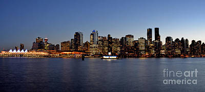 Photograph - Vancouver Downtown Skyline At Sunset by Terry Elniski