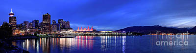Photograph - Vancouver Skyline From Crab Park At Dusk by Terry Elniski