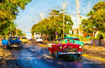 Photograph - Vintage Cars In Varadero by Les Palenik