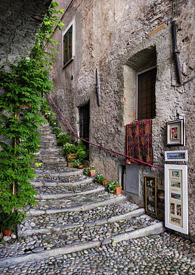 Photograph - Varenna Passageway 6 by Carolyn Derstine