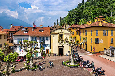 Photograph - Varenna Town Square by Carolyn Derstine