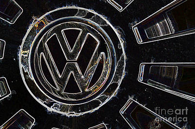 Digital Art - VW3 by Wendy Wilton