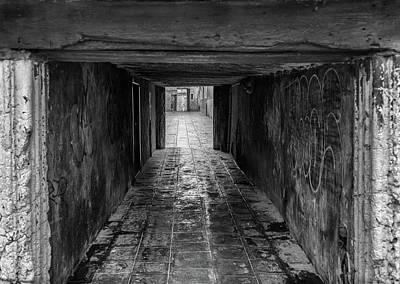 Photograph - Venetian Alley by Georgia Fowler