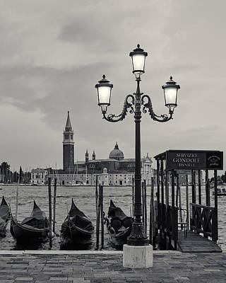 Venetian Streetlamp Art Print by Richard Goodrich