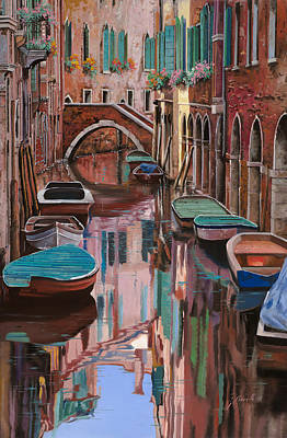 Curated Round Beach Towels - Venezia a colori by Guido Borelli