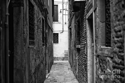 Photograph - Venezia Alley by John Rizzuto