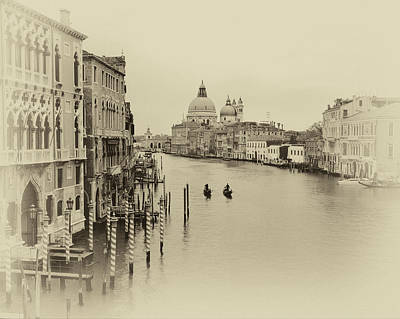 Photograph - Venice Antiqued by Cliff Wassmann