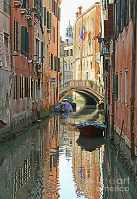 Up Up And Away - Venice Canal 9189 by Jack Schultz