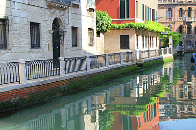 Photograph - Venice Canal Reflection 3 by Vicki Hone Smith