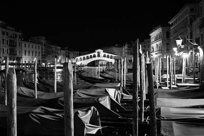 Photograph - Venice Canals 17b by Andrew Fare