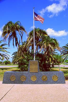 Photograph - Venice Florida War Memorial by Gary Wonning