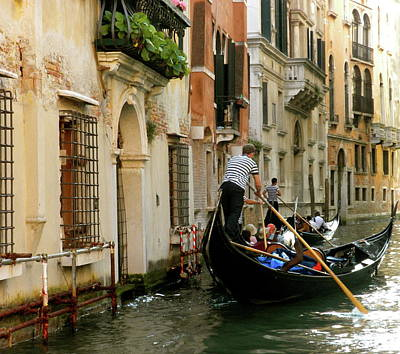 Photograph - Venice Gondola by Teresa Tilley