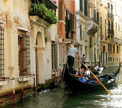 Photograph - Venice Gondola by Teresa Tilley