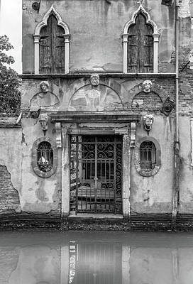 Photograph - Venice House In Black And White by Georgia Fowler