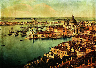 Digital Art - Venice Observed by Sarah Vernon