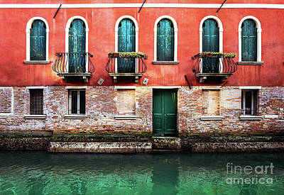 Photograph - Venice Red House by Miles Whittingham