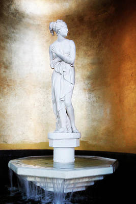 Photograph - Venus Goddess Statue Ceasars Palace by Marilyn Hunt