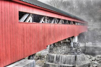 Taftsville Photograph - Vermont Covered Bridge by Steve Brown