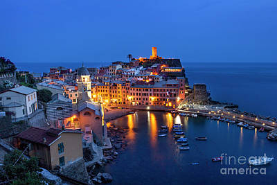 Photograph - Vernazza - Cinque Terre by Brian Jannsen
