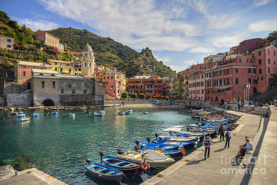 Photograph - Vernazza Harbor by Spencer Baugh