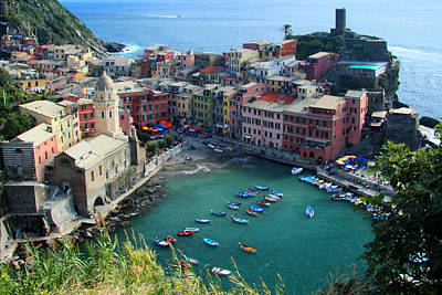 Photograph - Vernazza Harbor by John Bushnell