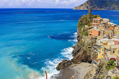 Photograph - Vernazza by Rick Starbuck