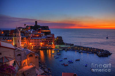 Photograph - Vernazza Sunset by Spencer Baugh