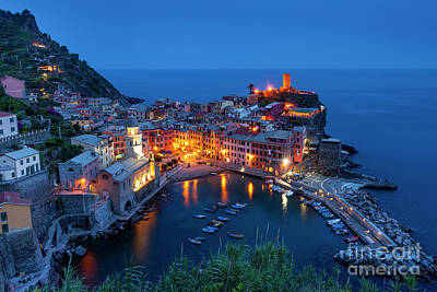 Photograph - Vernazza Twilight by Brian Jannsen