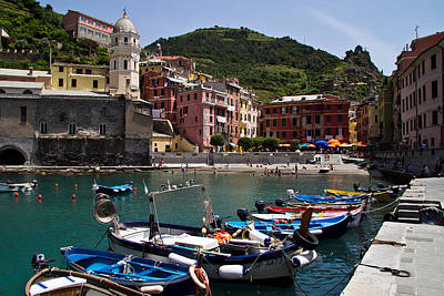 Photograph - Vernazzo Cinque Terre Harbor by Roger Mullenhour