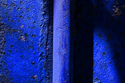 Photograph - Vertical Blue by Tom Druin