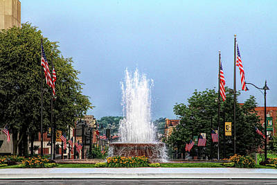 Photograph - Veterans Memorial Fountain by John Freidenberg