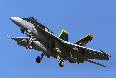 Photograph - Vfa-105, Gunslingers  F/a-18e Super Hornet by Pete Federico
