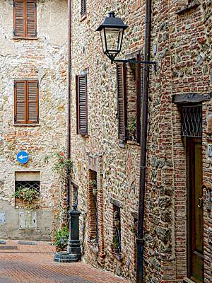 Photograph - Via Dei Fabbri Paciano by Dorothy Berry-Lound