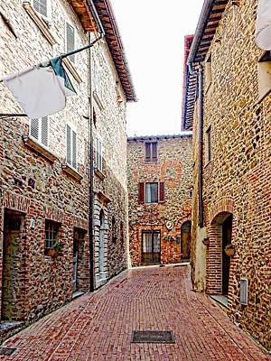 Photograph - Via Quadrani Pompili Paciano 2 by Dorothy Berry-Lound