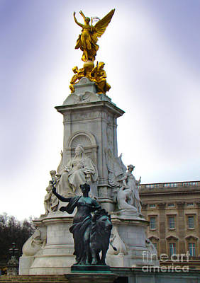 Victoria Memorial - London England Art Print