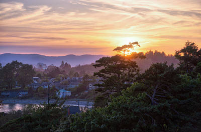 Photograph - Victoria Sunset by Keith Boone