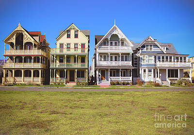 Photograph - Victorian Homes On Ocean Path by Colleen Kammerer