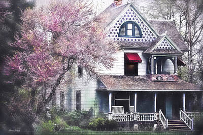 Photograph - Victorian House by Anna Louise