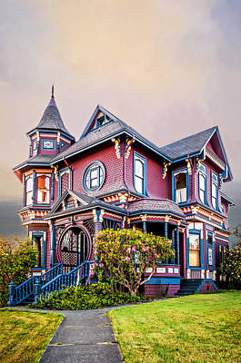 Photograph - Gingerbread House by Maria Coulson