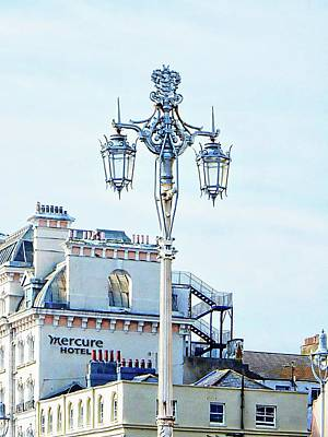 Photograph - Victorian Street Light And Hotel On Brighton Seafront by Dorothy Berry-Lound