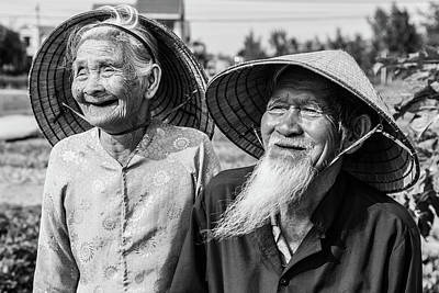 Que Photograph - Happy Couple In Black And White by Lahiru Ranasinghe