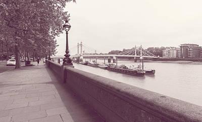 Photograph - View Down Chelsea Embankment London by Jacek Wojnarowski